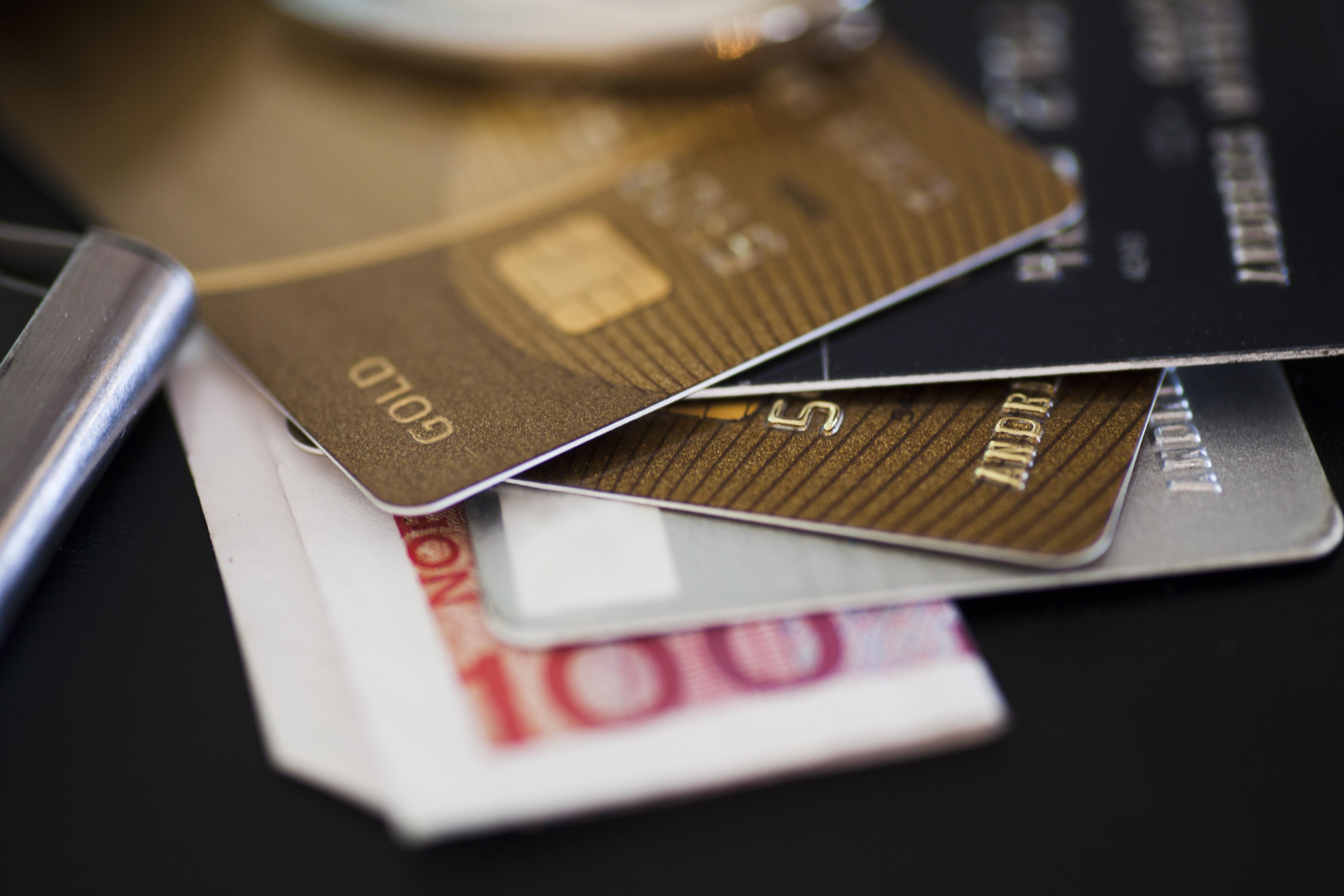 Bezpieczniejsze płatności kartą w internecie