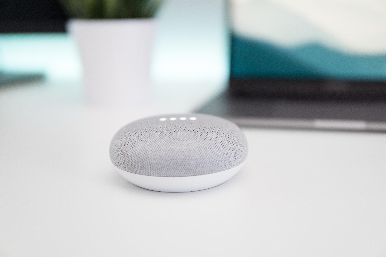 Voice search czyli wyszukiwanie głosowe jako nowa możliwość dla usług internetowych i ecommerce